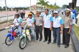 Foto bersama menjelang dimulainya kegiatan safety riding di halaman Polda Aceh