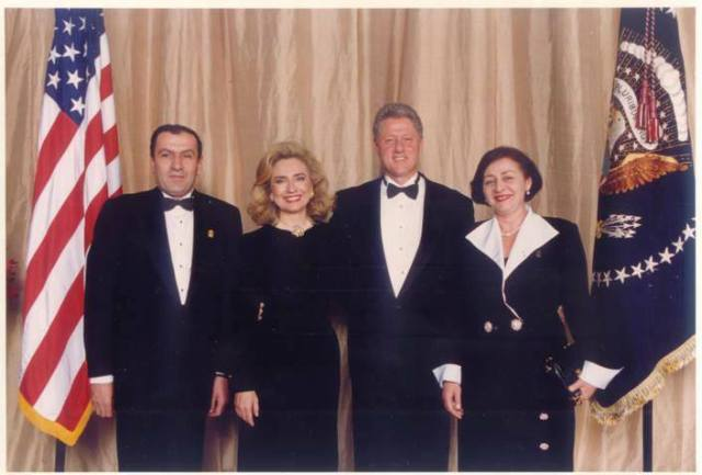 Bill Clinton meets Levon Ter-Petrossian at the White House, August 1994