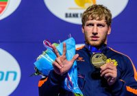 Armenia's Aleksanyan Wins 3rd World Title
