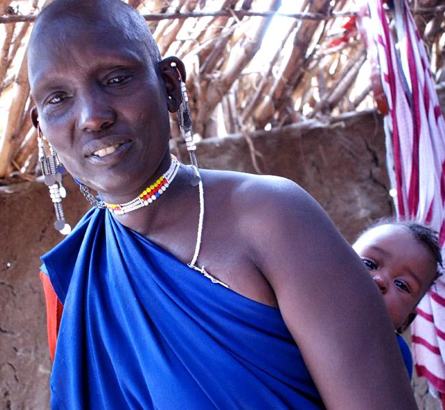 Ariaal stammen er nær knyttet til Maasaiene og jeg antar de har mange gener til felles. Her er Mama Kaika