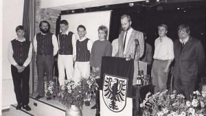 Architekt Rolf Klitscher bei seiner Ansprache zur Einweihung des ersten Theatersaals der Dittchenbühne