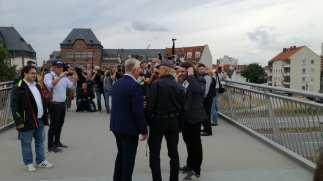 Terence Hill mit OB Kissel auf der Brücke