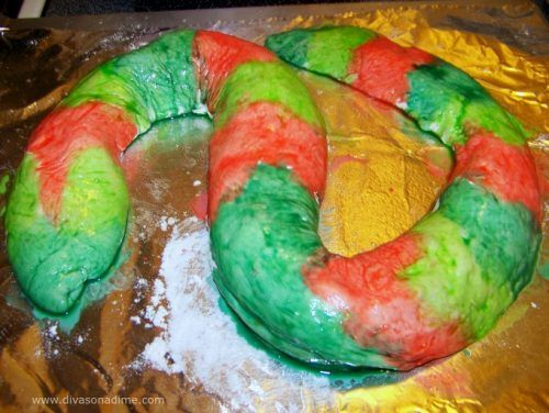 A delightfully creepy treat for Halloween! An easy pepperoni and cheese filled calzone shaped like a snake. Ready to slither onto your plate!