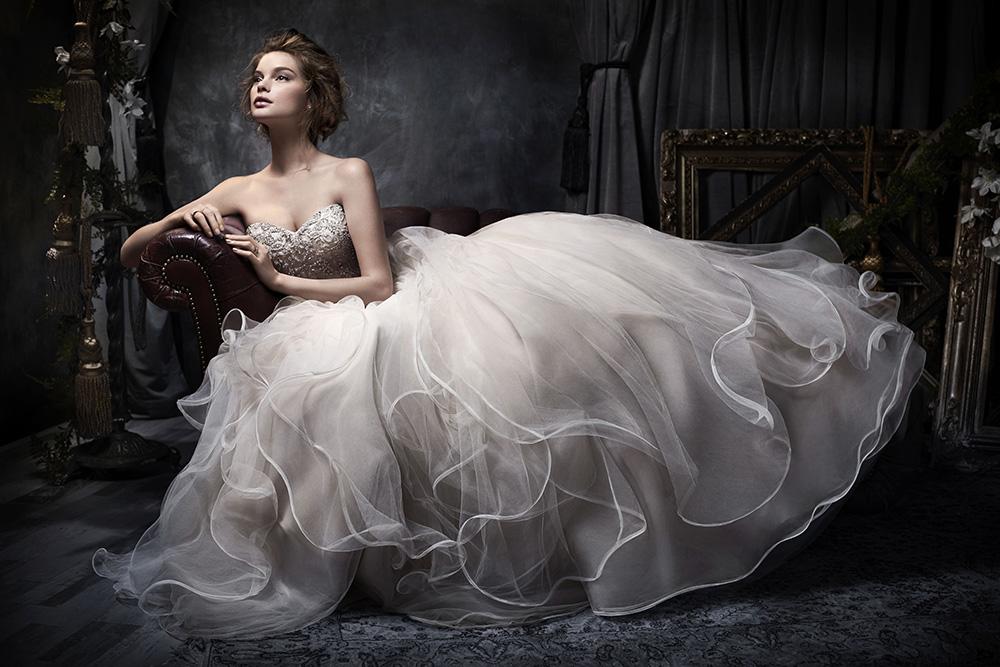 Igenszalon esküvőiruha nagykereskedés