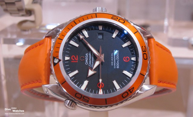 Omega_Seamaster_Professional_Planet_Ocean_44_Orange_Front_Museum_2010