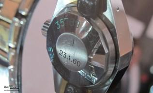 Gehäuseboden-Gravur der Deep Sea Special mit der Nummer 1 während einer FHH-Sonderausstellung am Salon QP in London (2012)