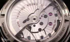 Close-Up: Omega Kaliber 8400 mit zwei Federhäusern