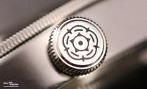 tudor_heritage_black_bay_black_79230n_bracelet_crown_logo