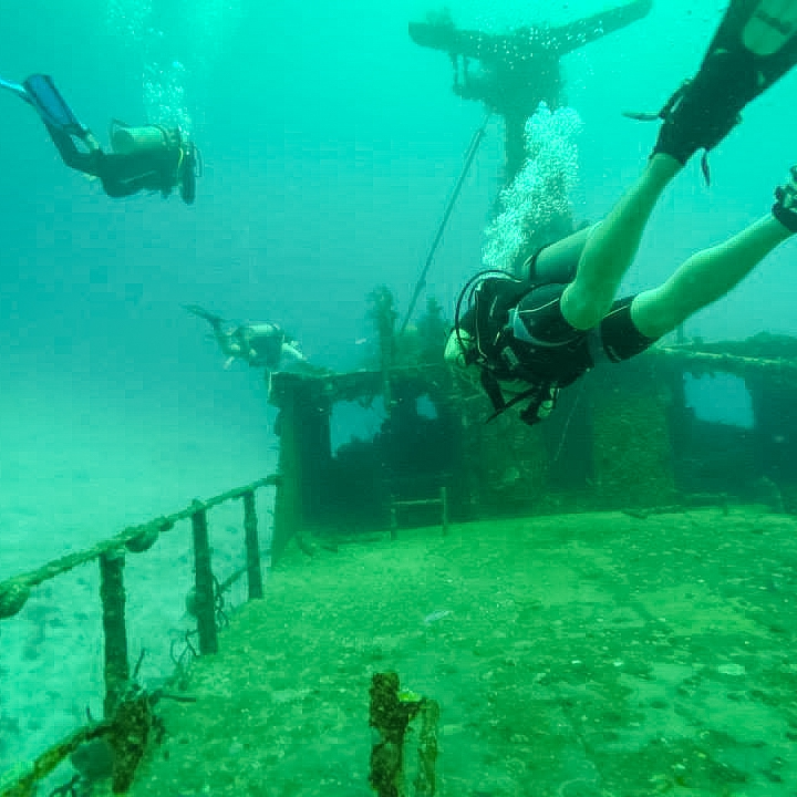 Cancun: Shipwreck
