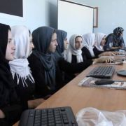 refugiadas, ordenadores, diversidad cultural, integracion laboral, mujer
