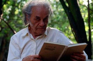 Genera polémica testamento del chileno Nicanor Parra