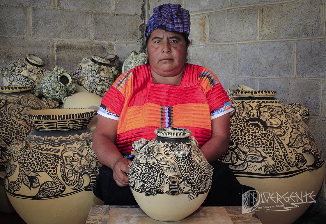 Simona Gómez, manos que transforman el barro en arte
