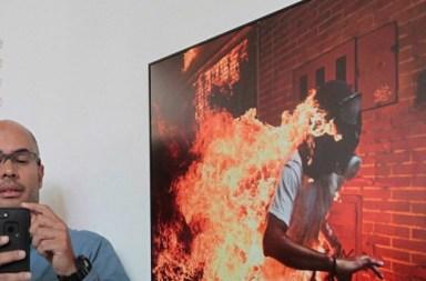 Ganador de World Press Photo llama a mujeres y latinos a hacer fotoperiodismo