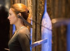 divergent-knife-throwing