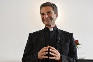 """""""O clero é amplamente homossexual"""", declara padre expulso"""