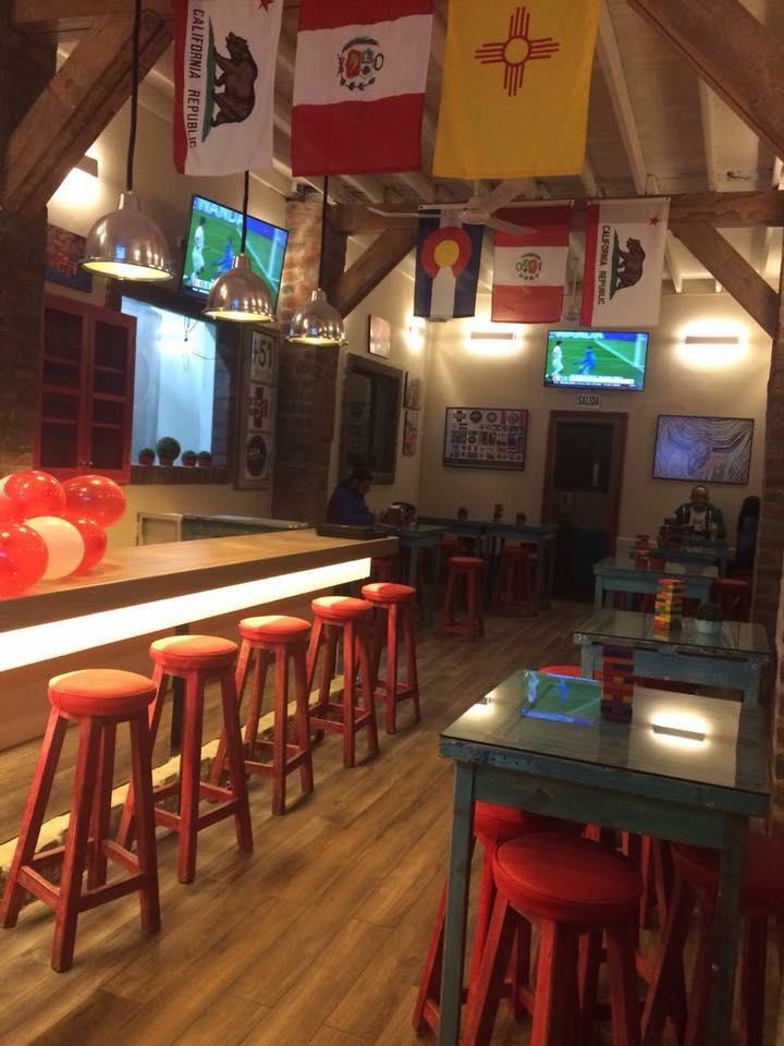 Cervecería +51 Open Bar Restobar Jesús María 01