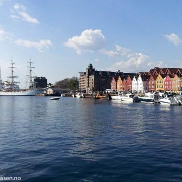 Bryggen i Bergen (Artikkel om M/F Fjordbuen)