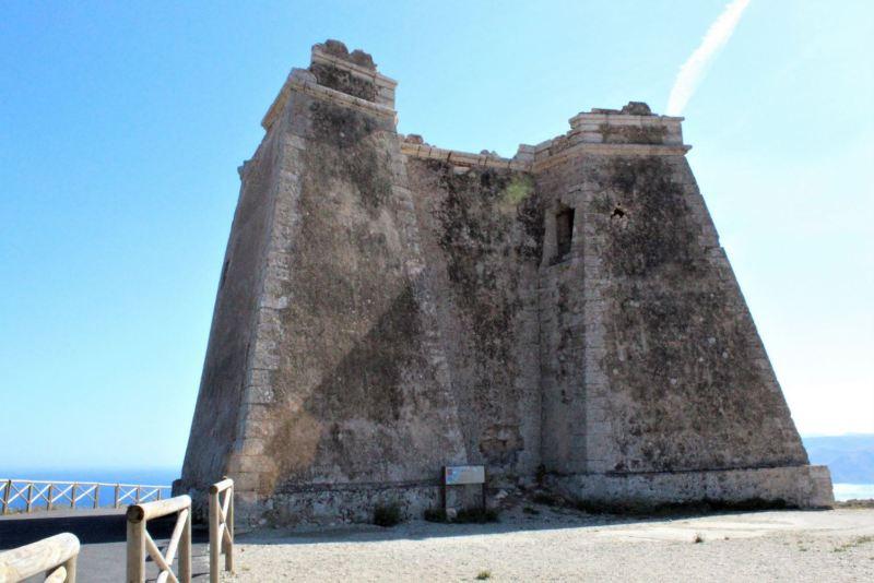 Torre de Mesa Roldán (Almería)