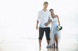Wedding photographer in the Seychelles and Maldives. We shoot and film weddings in the Seychelles and Maldives.
