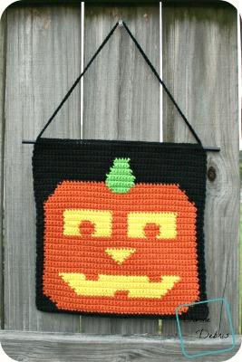 Jack-o-lantern Wall Hanging free crochet pattern by DivineDebris.com
