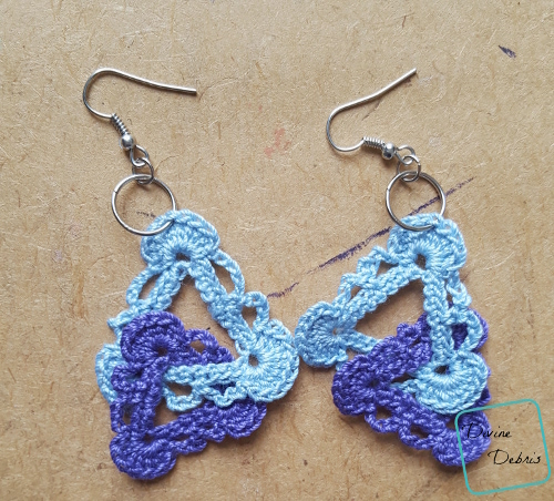 Interlocking Triangles Earrings free crochet pattern by Divine Debris