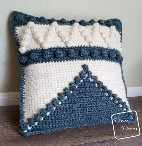 Not Pillow Fight Certified – the Pretty Bobble Pillow free crochet pattern