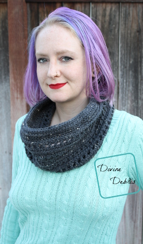 Lindsay Cowl free crochet pattern by DivineDebris.com