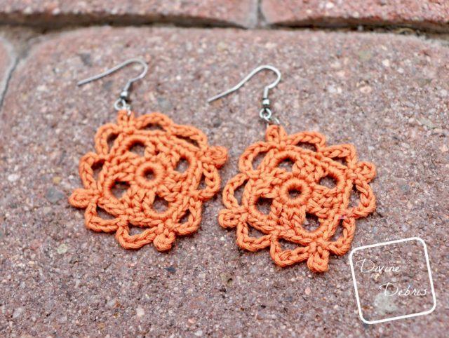 Courtney Earrings free crochet pattern by DivineDebris.com