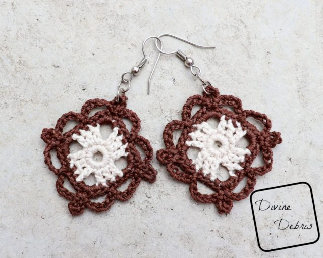 Courtney Earrings free crochet pattern by DivineDebris.com