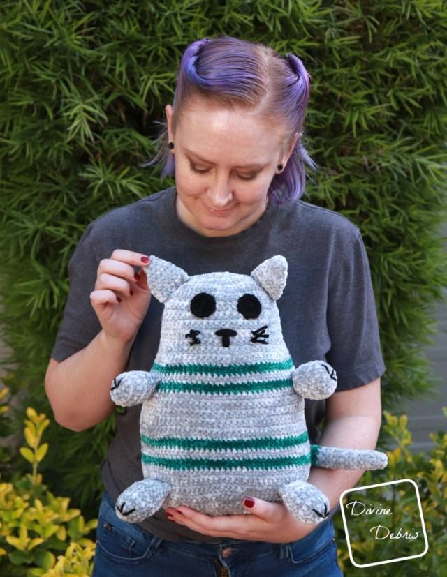 Rebel Cat Amigurumi free crochet pattern by DivineDebris.com