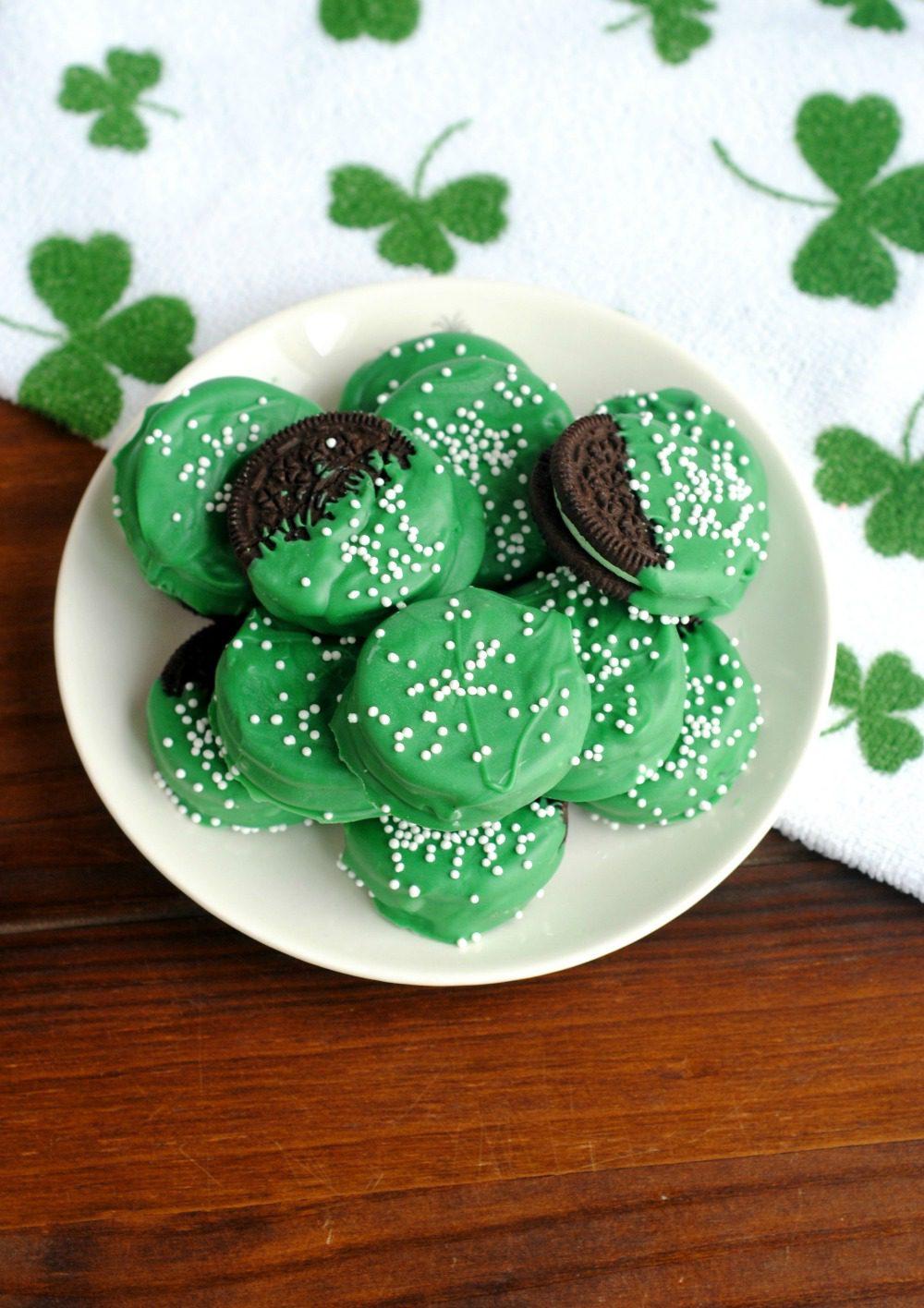 St Patricks Day Green Oreos 4