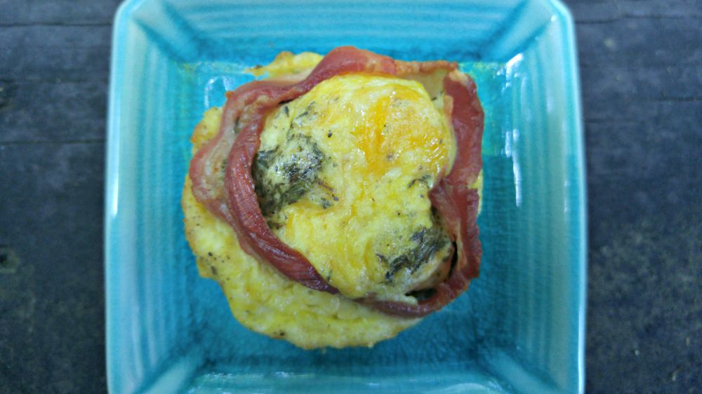 EASY BREAKFAST RECIPE: Bacon & Egg Cups