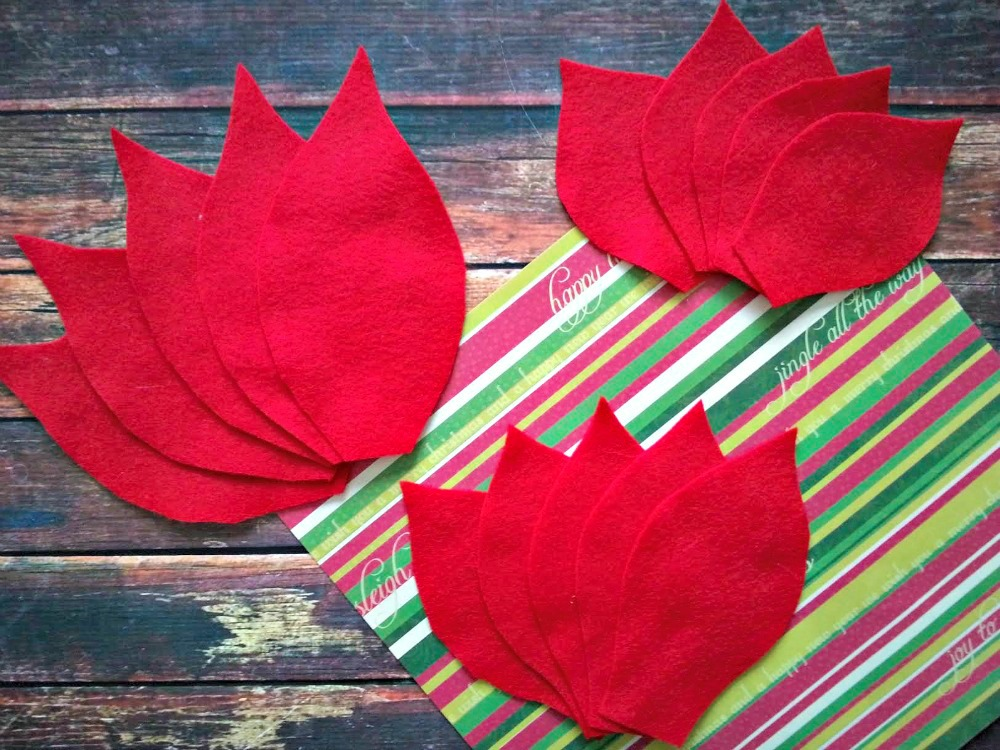 Poinsettia Pillow 1