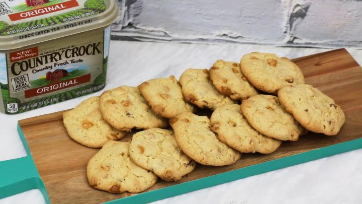 Butterscotch and Pecan Cookie Recipe #MakeItYours
