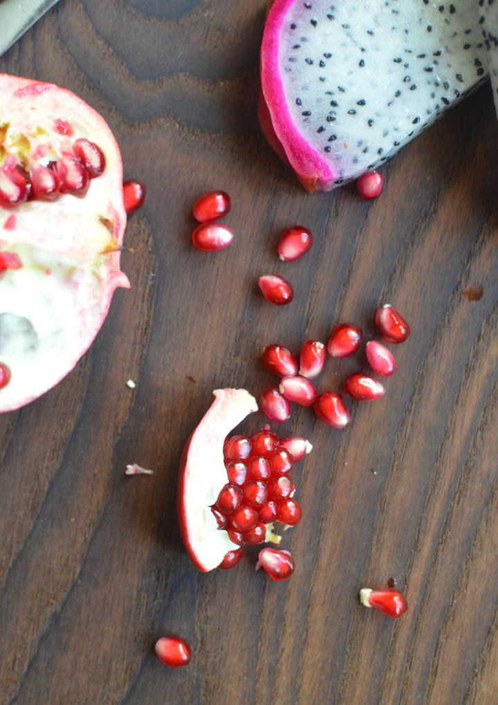Dragon Fruit and Pomegranate Yogurt Smoothie Bowl Recipe