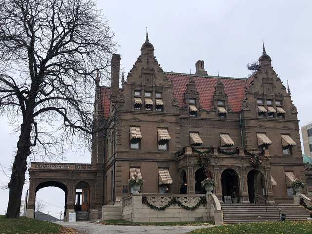 Pabst Mansion low13