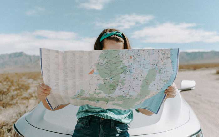 How students can save money while going on trips