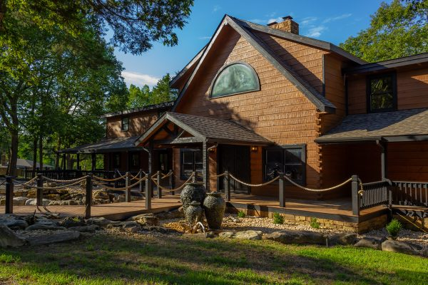 DBR-2_Front-of-Main-House_1555x1037