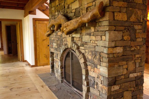 DBR-75_Backside-Entry-Fireplace_1555x1036