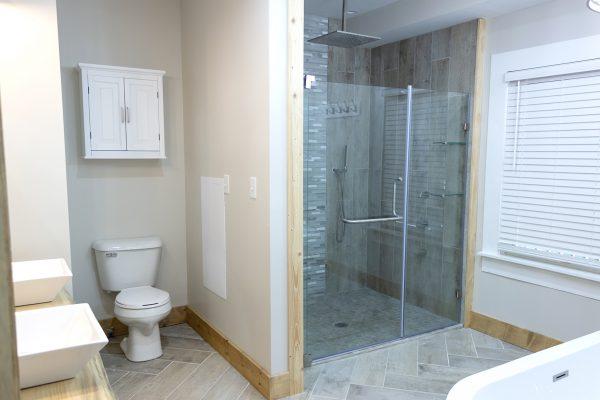 DBR-77_Master-Bathroom_1555x1037