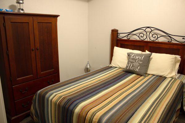 DBR-86_Guest-Room_1555x1037