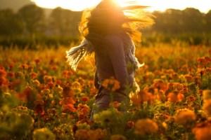 woman-dance-in-flowers