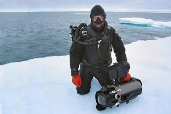 Chuck Davis on assignment in the Chukchi Sea. Photo © Hector Ortega