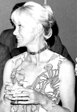 Valerie Taylor at the first Australian Underwater Film Festival in 1973. Photo by Begaoz (Creative Commons)