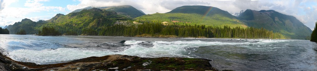 Skookumchuck Narrows (Sechelt Rapids) at high tide. Photo by Kantokano (Creative Commons)