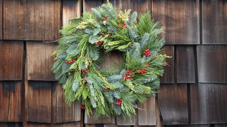 Making your Yard Festive for Christmas