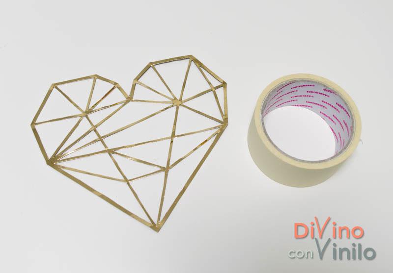 corazón geométrico con vinilo dorado