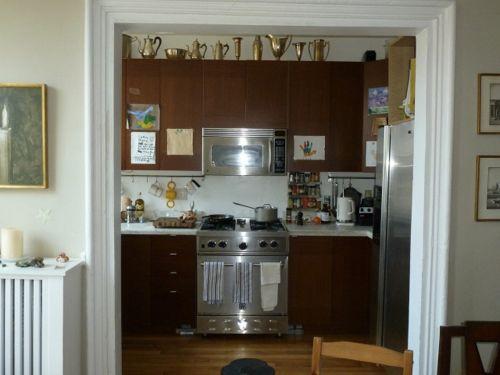 Forrar los armarios de la cocina con vinilo (tendencias mayo 2019)