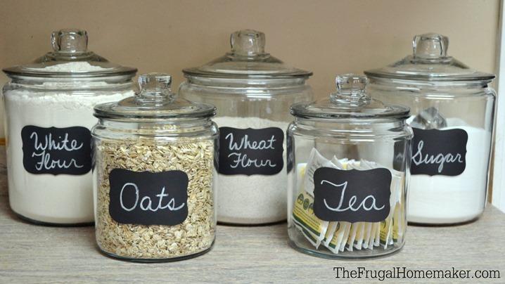organizar tarros con etiquetas de vinilo adhesivo
