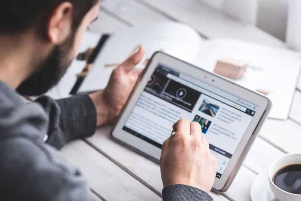 divulgação online de serviços e produtos